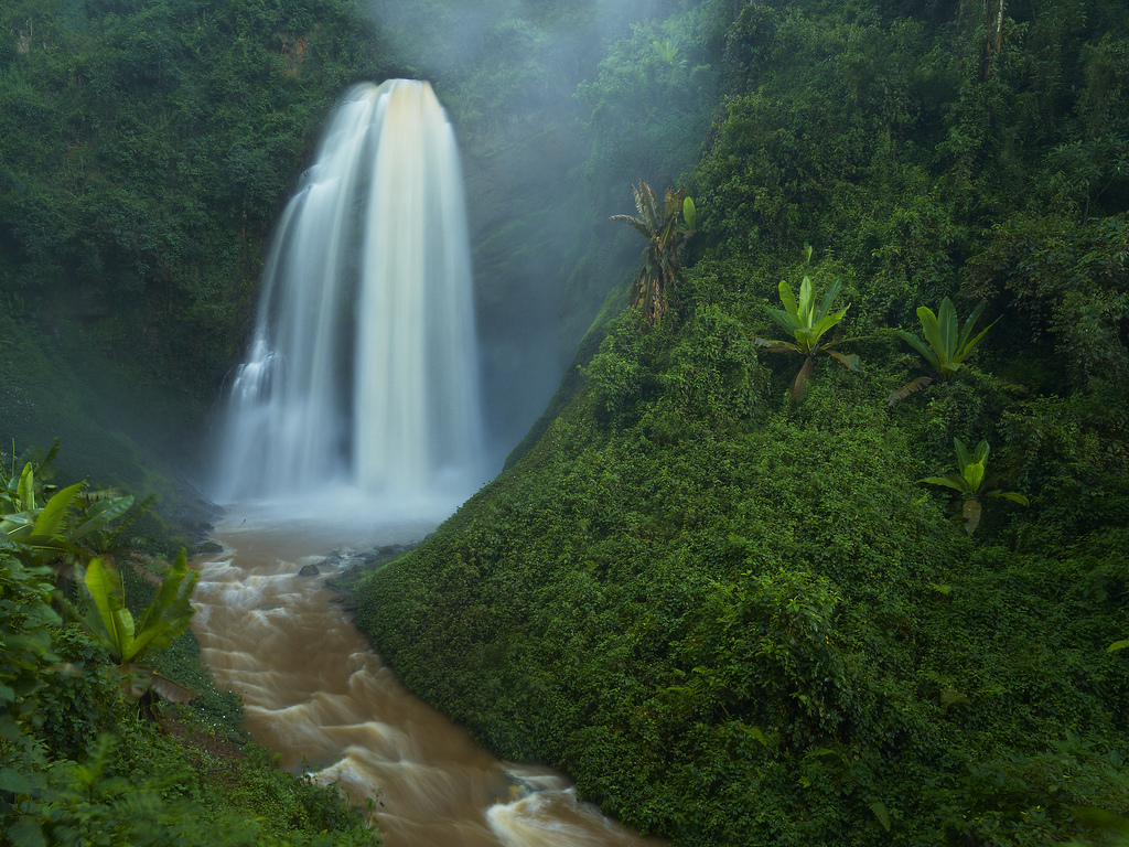 Kisiizi Water Falls and monument Uganda